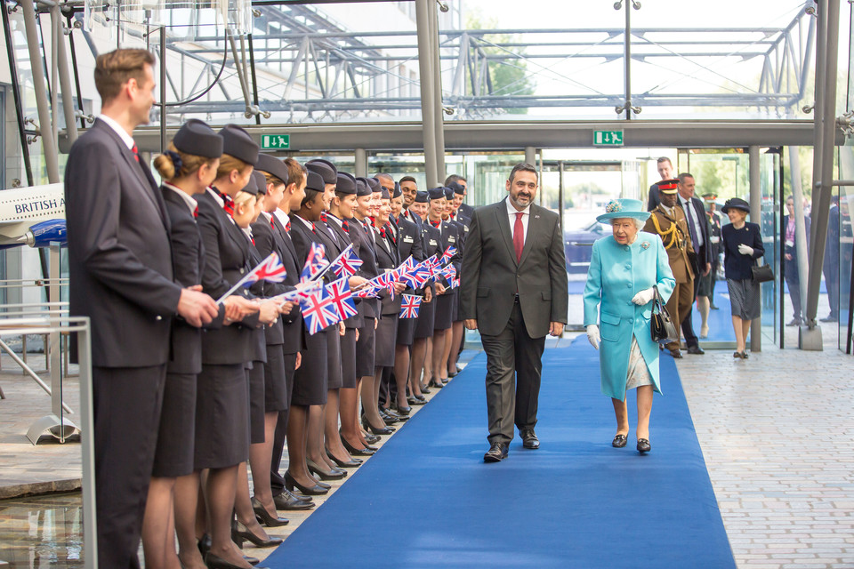 Dronning Elizabeth II på besøg hos British Airways i Waterside. (Foto: Nick Morrish/British Airways)