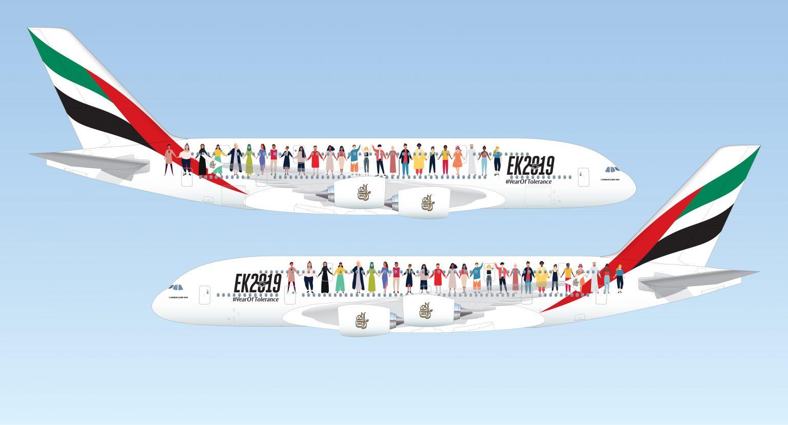 Sådan kommer den særmalede Airbus A380 fra Emirates til at se ud, når dobbeltdækkeren 29. november skal foretage sin særlige flyvning over de Forenede Arabiske Emirater – begge sider vil være dekoreret med et panorama af mennesker fra forskellige baggrunde og kulturer, der holder hinanden i hånden. Illustration: Emirates.