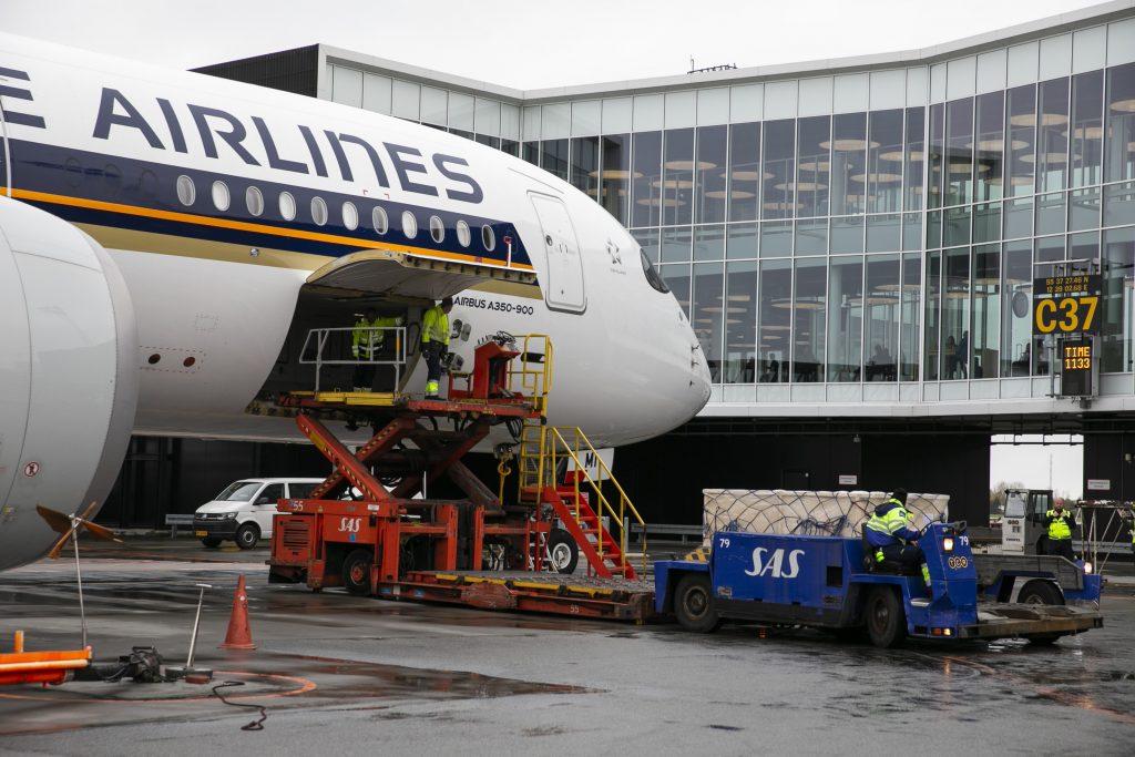 Singapore Airlines i Københavns Lufthavn med en Airbus A350, der nu betjener ruten, der snart bliver daglig. Pressefoto: Københavns Lufthavn.
