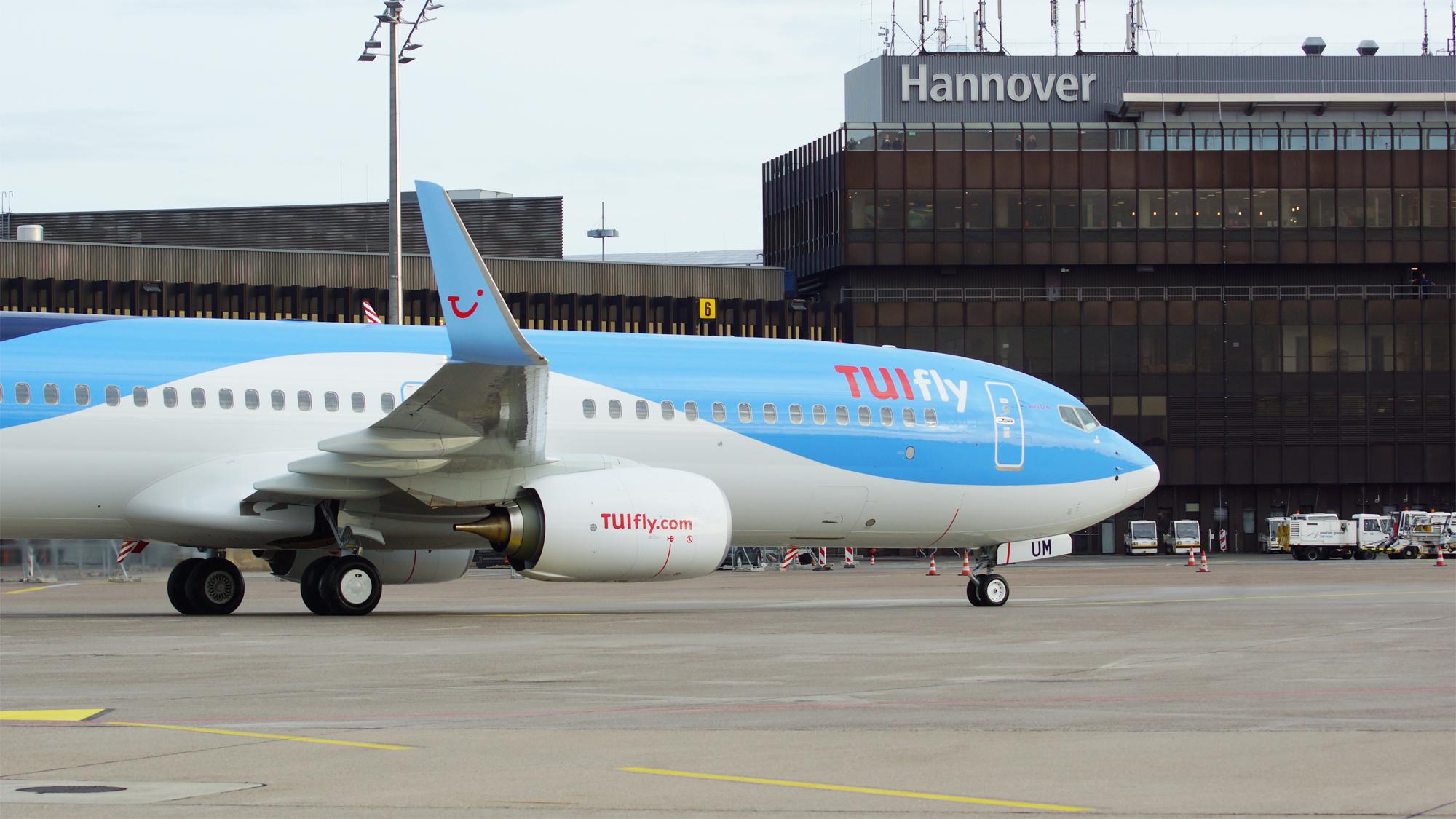 Tui Aviation tæller fem europæiske flyselskaber – her er et af koncernens 150 fly i Hannover Lufthavn. Pressefoto: TUI Group.