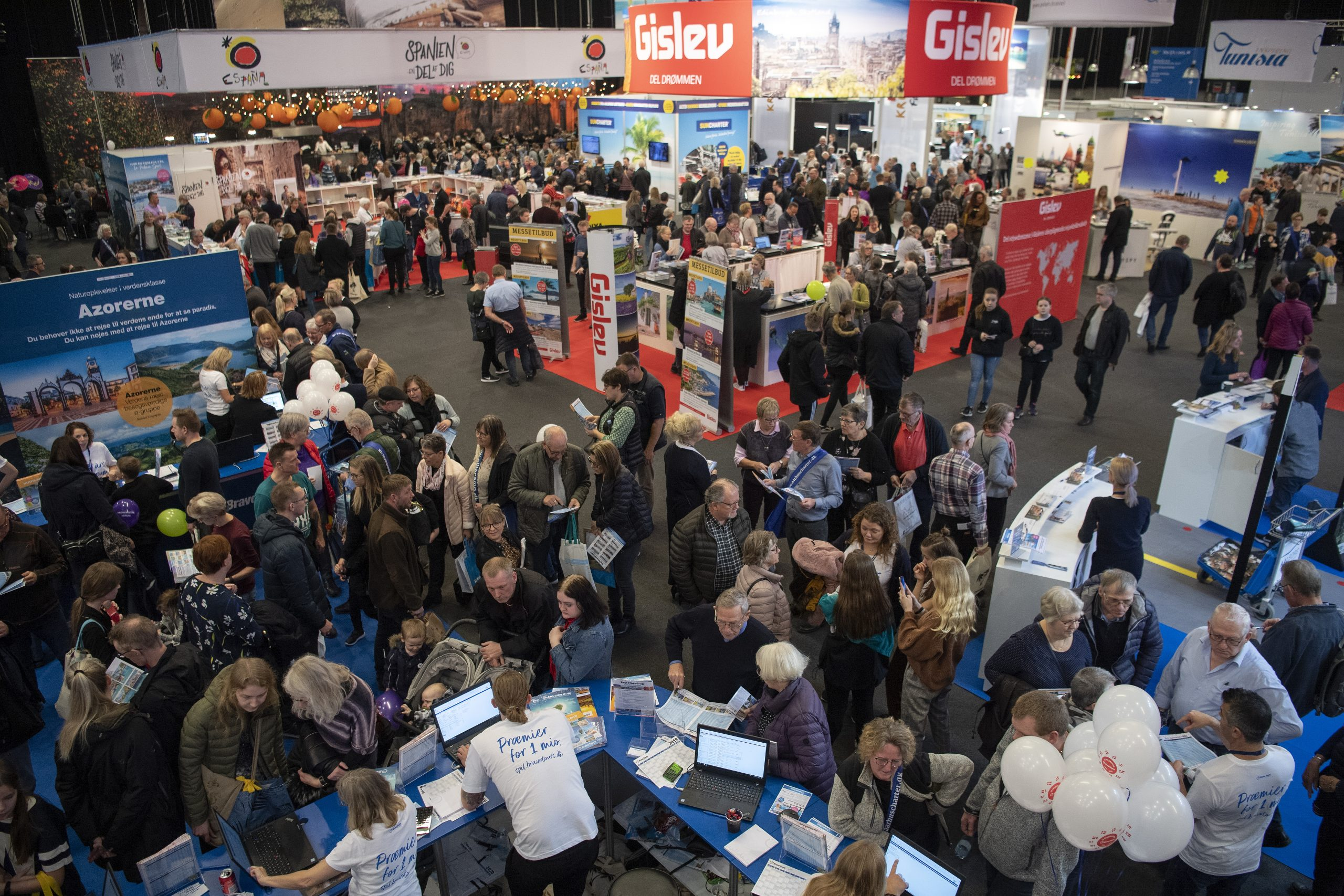 Ferie for Alle er Messecenter Hernings største årlige publikumsmesse, her er kig ind i udstillingshallerne under årets rejsemesse. Foto: MCH, Lars Møller.