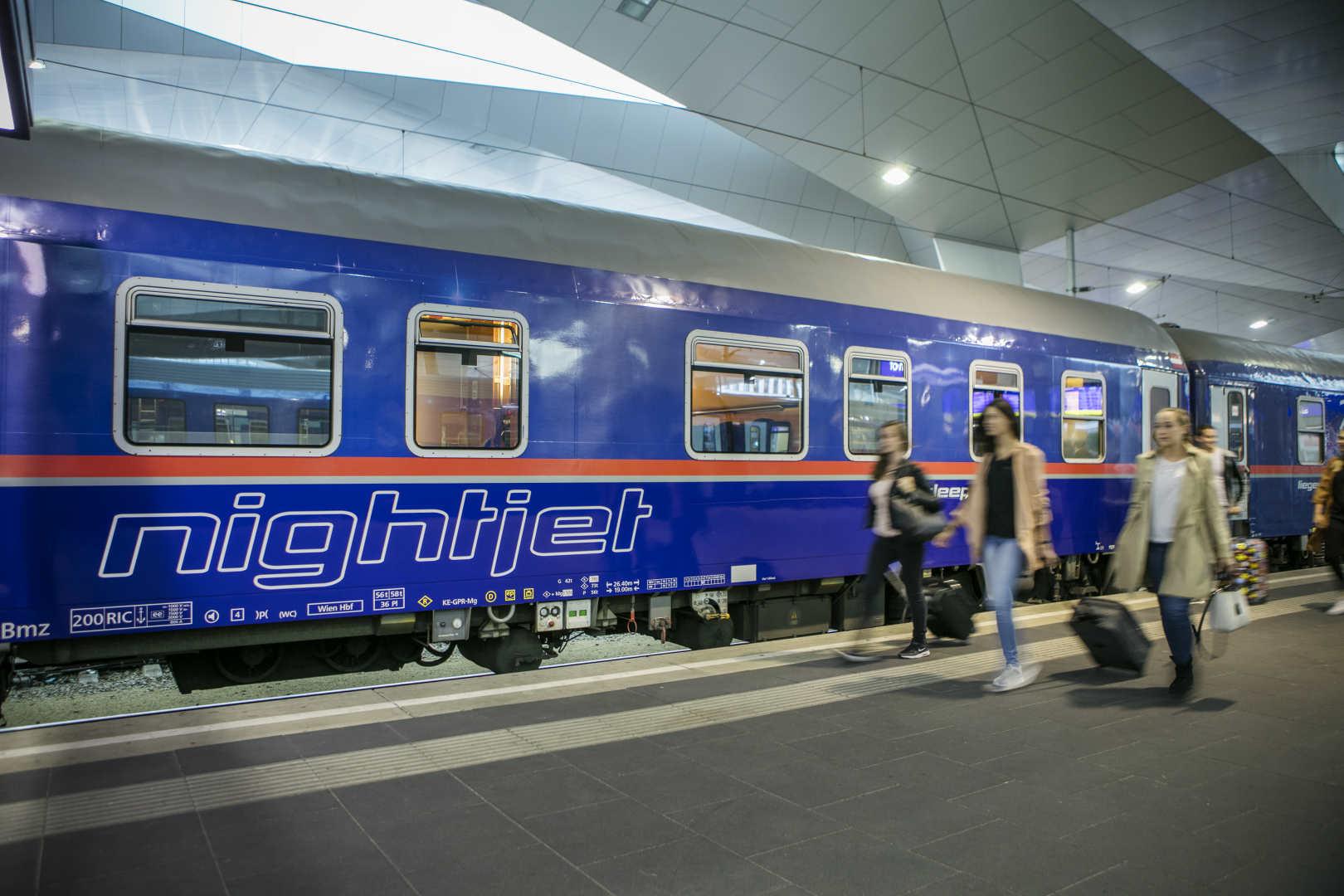 I samarbejde med de belgiske jernbaner, SNCB, der kører toget til og fra den belgiske grænse, har de østrigske jernbaner, ÖBB, netop sat ny Nighjet-nattog-forbindelse på sporet mellem Wien og Bruxelles. Pressefoto fra ÖBB, Harald Eisenberger.