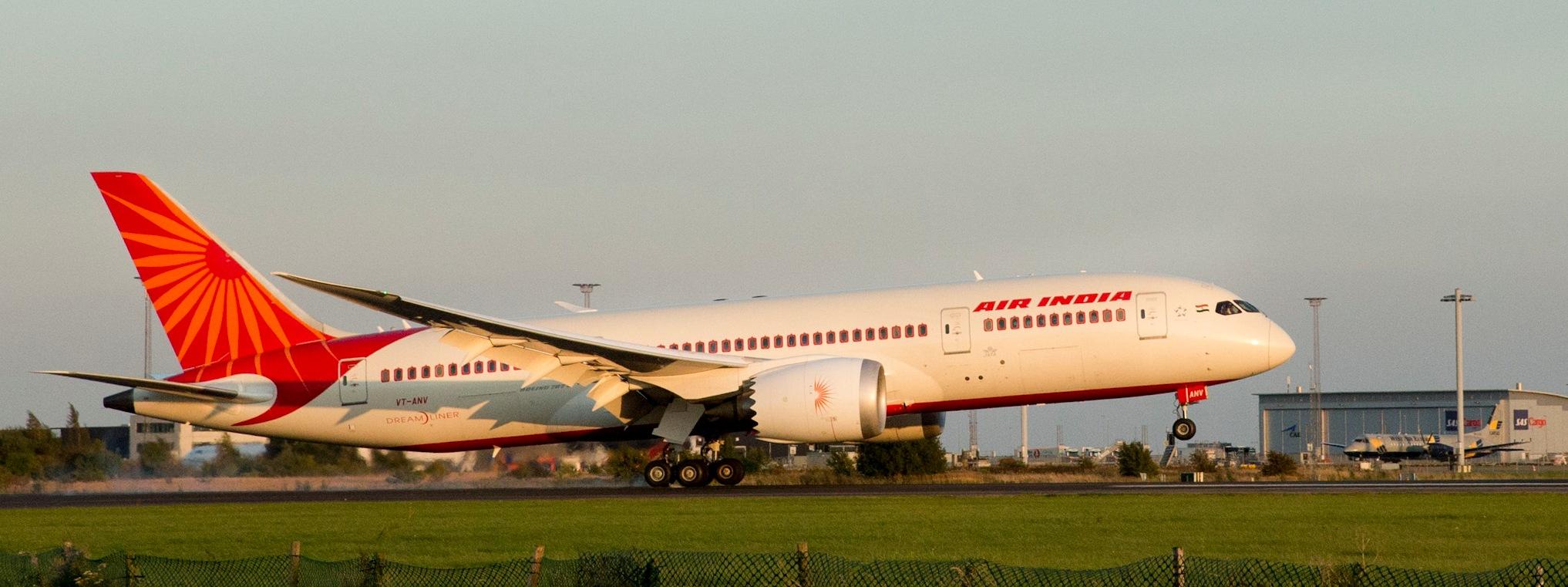Økonomisk plagede Air India har omrokeret sine aftaler med GDS-systemerne. Star Alliance-medlemmet flyver blandt andet til Københavns Lufthavn, hvor det her lander. Foto: Københavns Lufthavn.