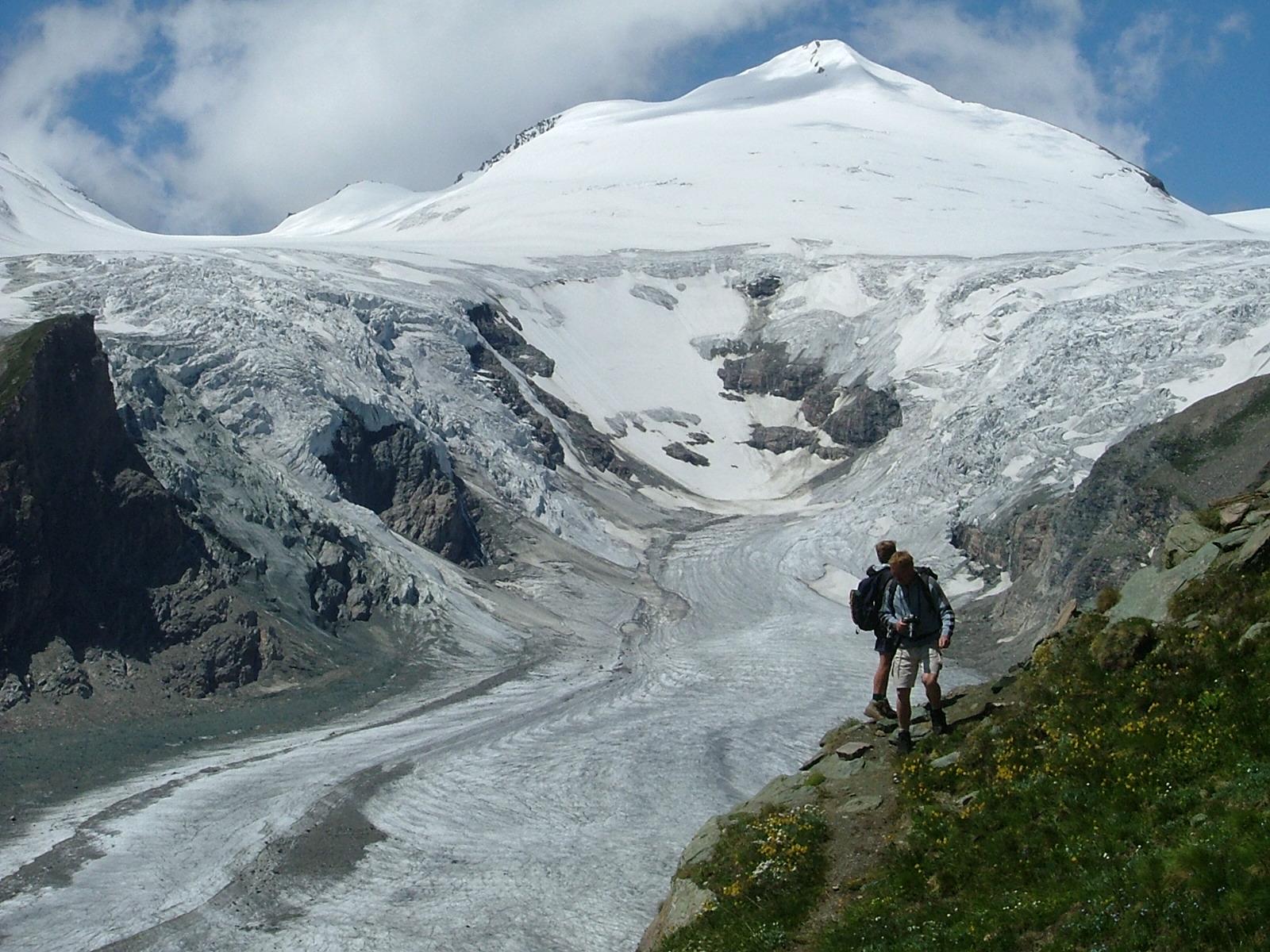 Der bliver igen i år mange udfordringer – også for de rejsende, det kan være alt fra politiske uroligheder til ekstreme naturfænomener, som for eksempel gletsjere der smelter på grund af stigende temperaturer. Arkivfoto fra Østrig: Henrik Baumgarten.
