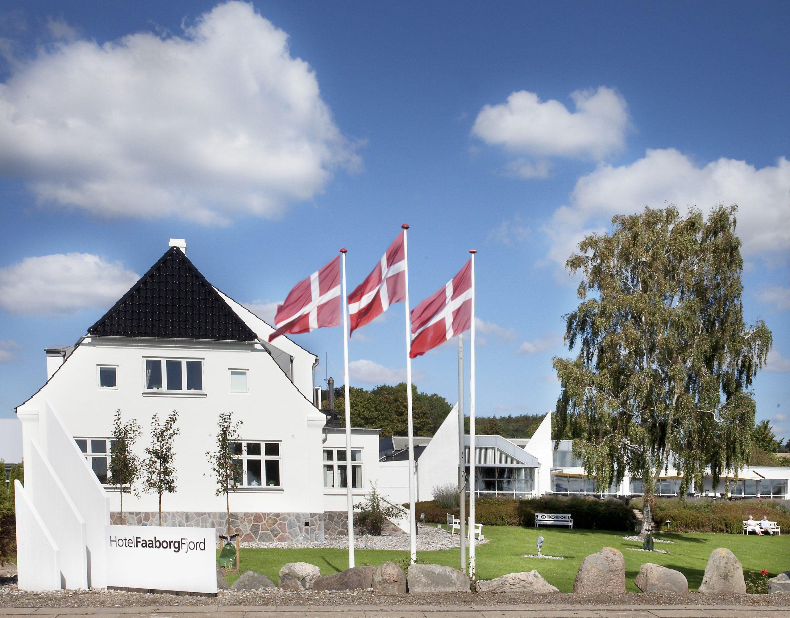 Udover 128 hotelværelser har Hotel Faaborg Fjord kursus- og konferencefaciliteter til 600 personer i kongressalen og yderligere lokale til 200. Dertil kommer 12 mindre mødelokaler. Fremsendt pressefoto fra Small Danish Hotels.