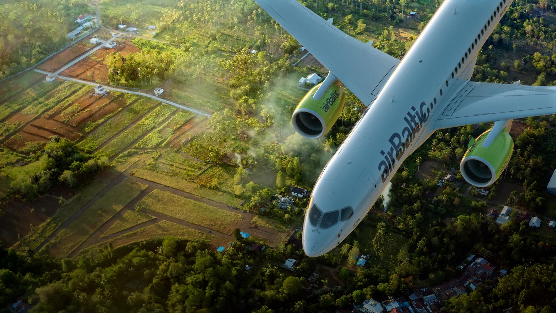 AirBaltic har specialiseret sig i ruter ud i primært Østeuropa, herunder Rusland, samt Vesteuropa – passagererne skifter fly i de tre baltiske hovedstæder, primært hovedlufthavnen, Riga. Pressefoto: AirBaltic.