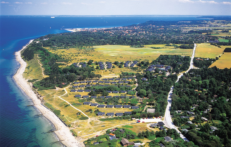 Konference- & Feriecenter Kysthusene – i daglig tale Kysthusene Gilleleje – ligger på toppen af Nordsjælland ud til Kattegats kyst. Foto: Kysthusene.dk