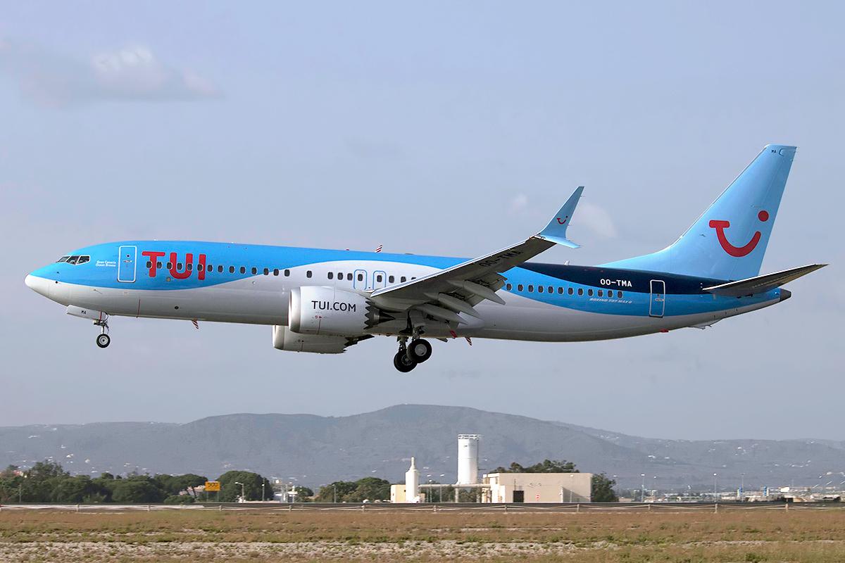En Boeing 737 MAX 8 fra TUI Airlines Belgium. I alt har TUI Aviation modtaget 15 eksemplarer af MAX, ti står og venter på at blive leveret hos Boeing. Foto: Pedro Aragão.
