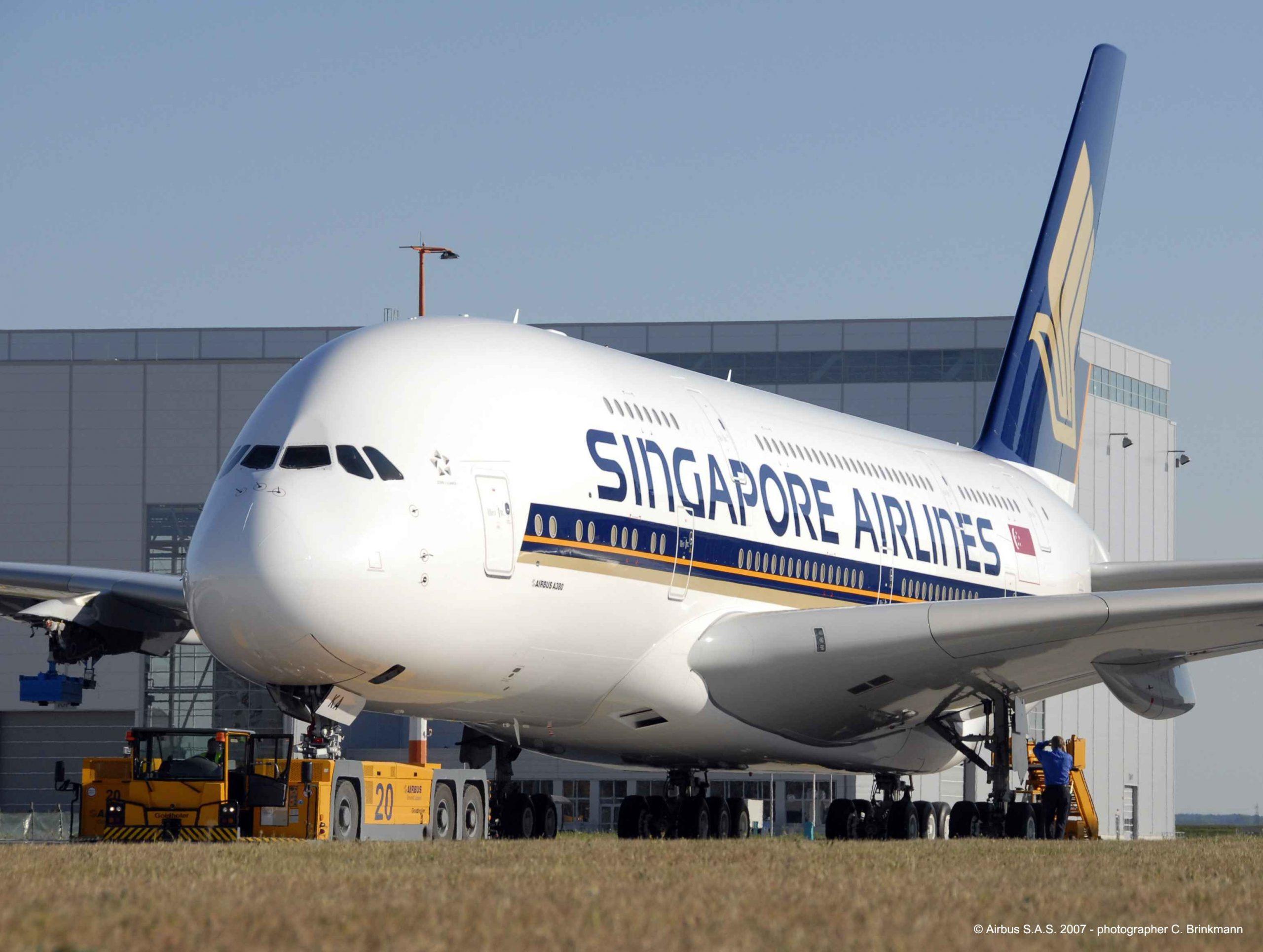 Den allerførste Airbus A380 hos Airbus inden flyet skulle leveres til Singapore Airlines. Flyet havde hos Airbus serienummeret MSN003 og fik hos Singapore Airlines indregistreringen 97-SKA. Det er dette fly som nu er ved at blive hugget op og som der sælges 7.000 stykker af til samlere. Pressefoto: Airbus, C. Brinkmann.