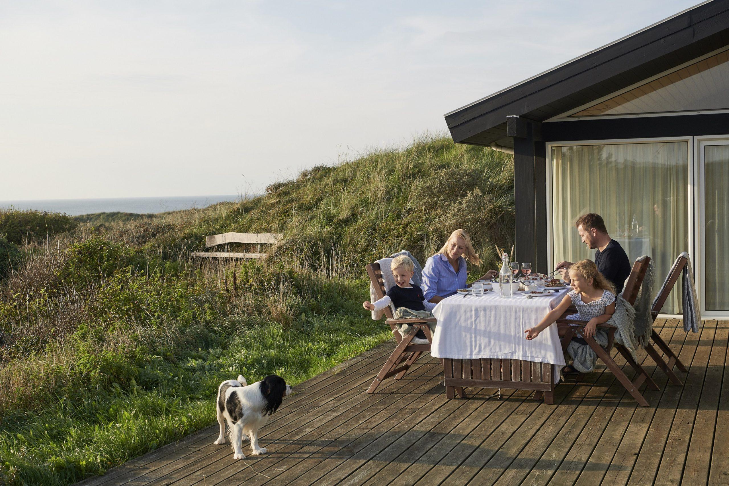 Stadig flere danskere holder vinterferie i danske ferieboliger. Danmark har cirka 200.000 ferieboliger og sommerhuse, hvoraf omkring 40.000 kan lejes i perioder. Arkivpressefoto fra VisitDenmark.