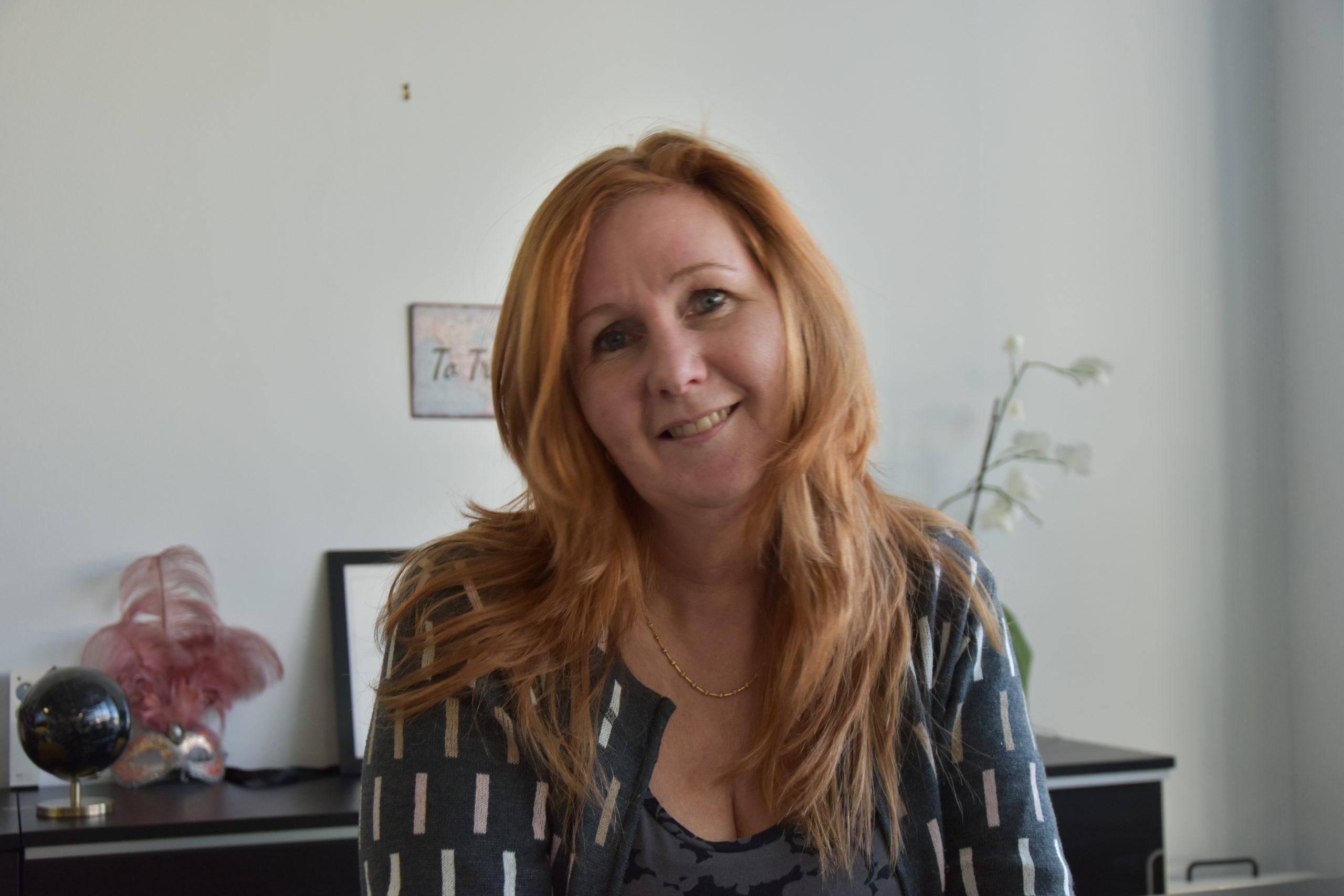 Birte Buchwald på sit nu mennesketomme hovedkontor i det norditalienske, hvorfra hun driver sit store B2B-incomingbureau, der udelukkende arrangerer MICE-ophold i Italien for nordiske rejsebureauer. Privatfoto.