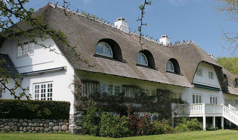 Comwell Borupgaard ved Helsingør er et af de Comwell-hoteller der foreløbig forbliver åbne, mens kæden midlertidigt lukker otte andre af sine danske kongreshoteller. Arkivfoto fra Comwell.