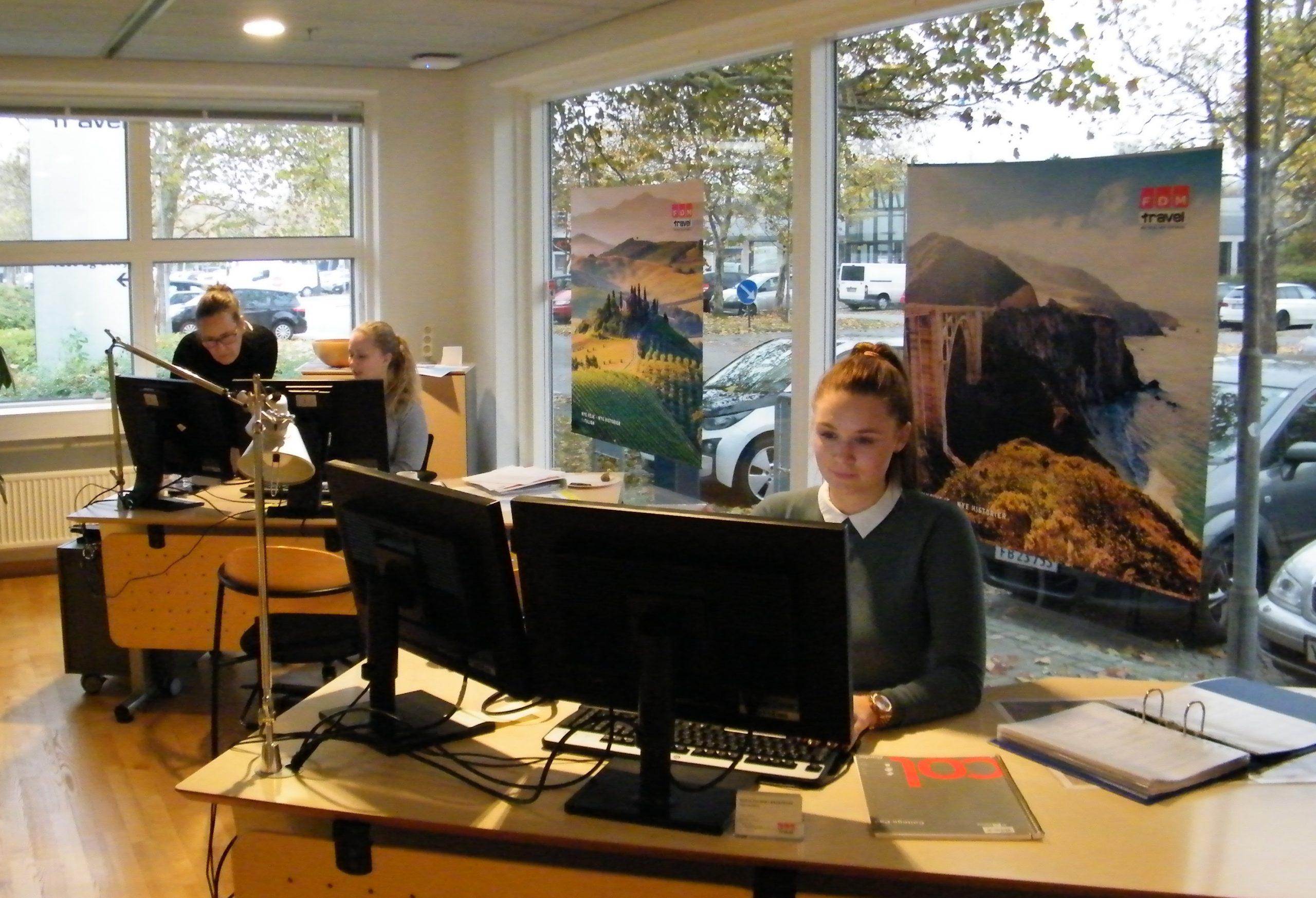 FDM Travels otte rejsebutikker er midlertidigt lukket, men alle opkald besvares stadig af medarbejderne. Arkvifoto: Henrik Baumgarten.