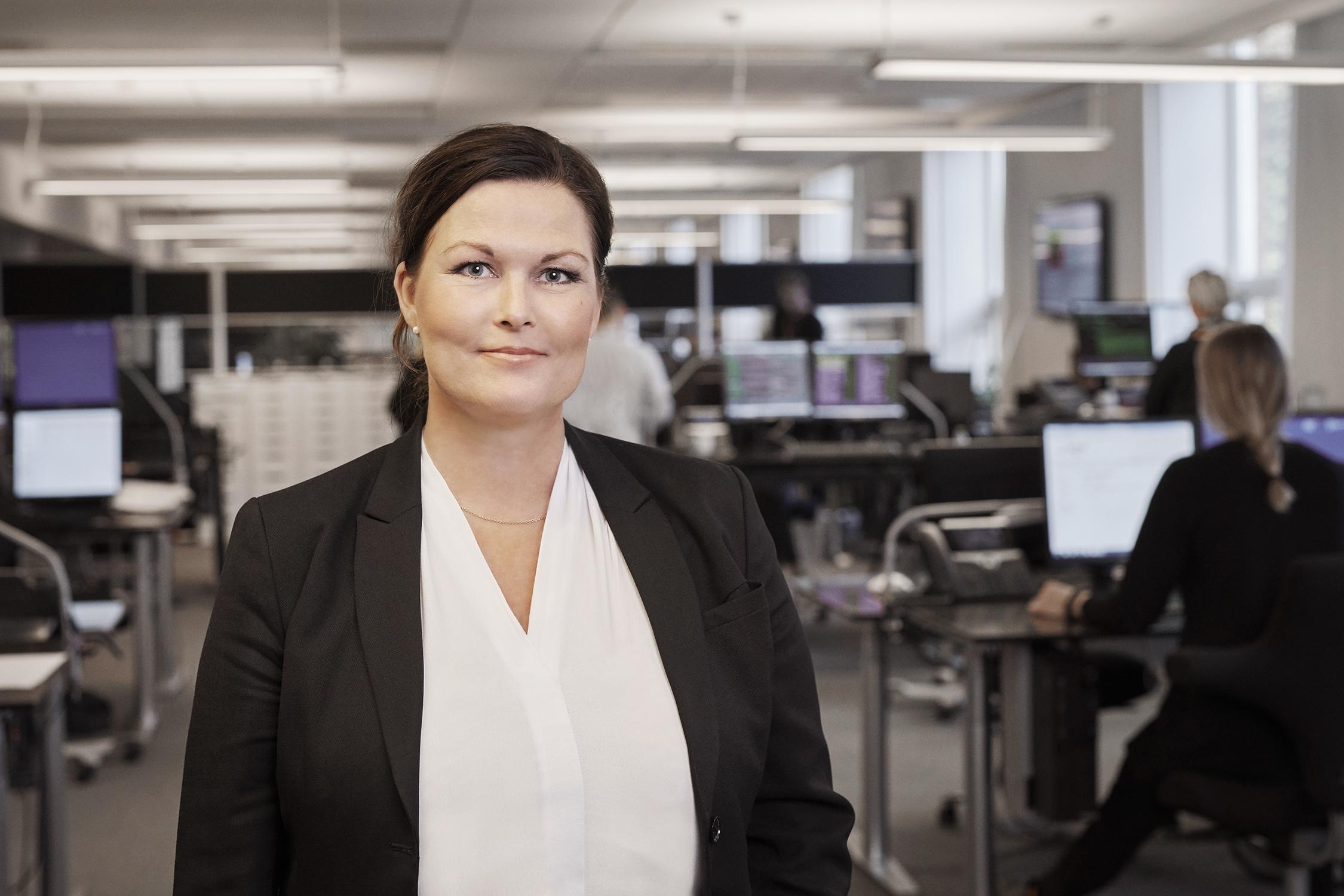 Divisionsdirektør Karin Tranberg på alarmcentralen SOS International. SOS har lige nu 3.250 corona-relaterede sager med danske statsborgere i udlandet. Arkivpressefoto fra SOS International.