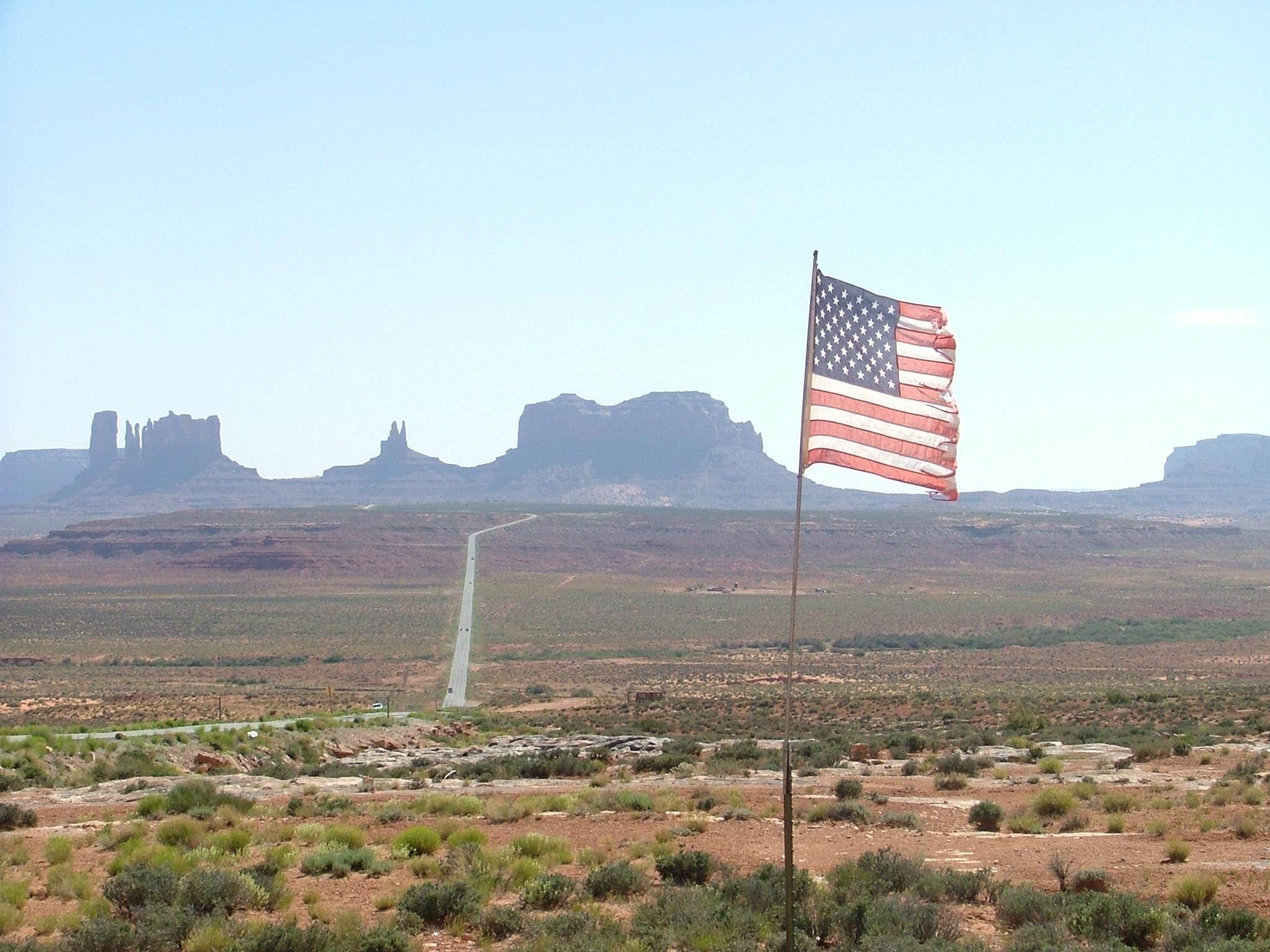 Over 20 lande og områder er lige nu på listen fra Udenrigsministeriet om rejsemål, der helt bør undgås, eller som der frarådes ikke-nødvendige rejser til. Senest er USA kommet på sidstnævnte liste. Foto fra Monument Valley i Arizona, Henrik Baumgarten.