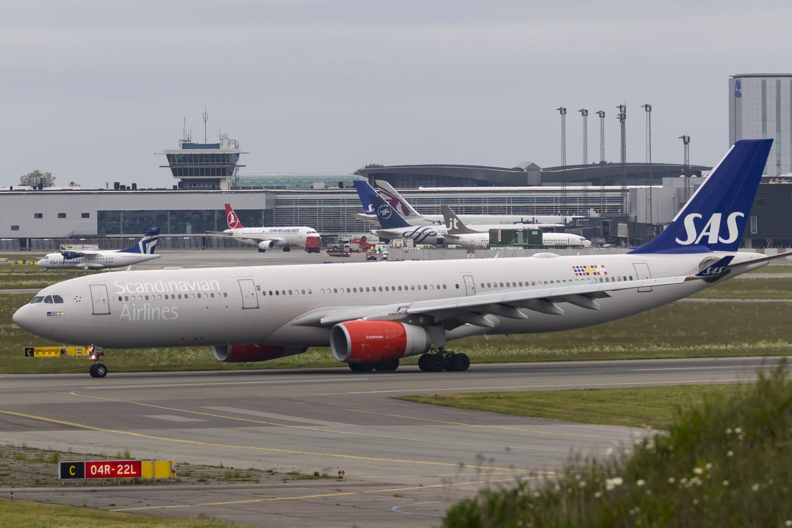 SAS skulle onsdag have sendt en mere eller mindre fyldt Airbus A330 fra Københavns Lufthavn til Austin i Texas. Passagerer skulle have deltaget i nu aflyst kæmpemesse, men nu er flyvningen netop blevet aflyst. (arkivfoto: © Thorbjørn Brunander Sund, Danish Aviation Photo)