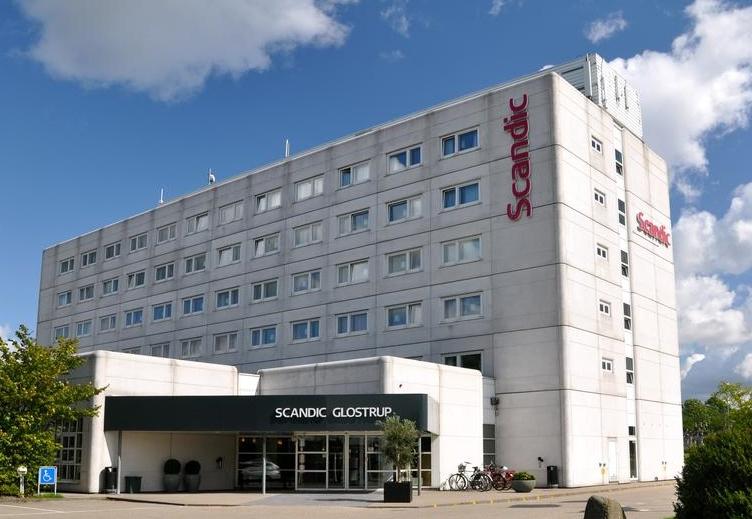 Scandic-hotellet i Glostrup er et af de ti af kædens danske hoteller, der foreløbig forbliver åbent. Arkivpressefoto.