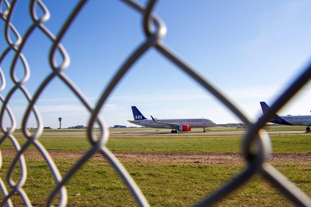Parkerede SAS-fly i Københavns Lufthavn under coronakrisen. Pressefoto fra Naviair: Jan Eliassen.