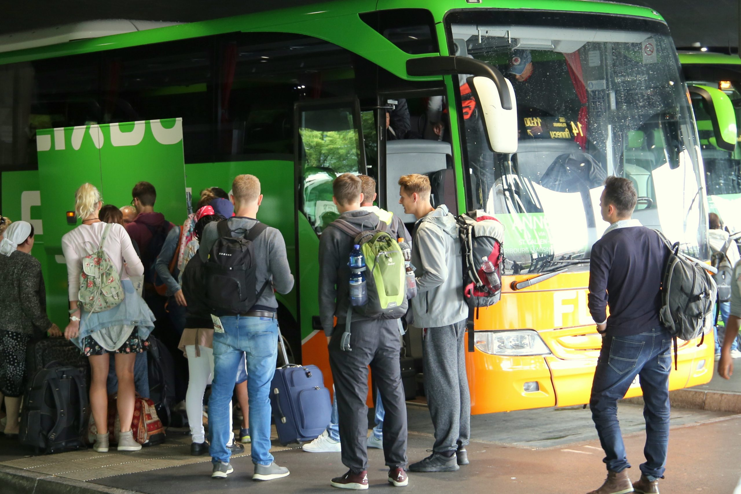 Flixbus må kun sælge hver anden billet på sine fjernbusser i Danmark, indskærper transportministeren. Arkivpressefoto fra Flixbus.