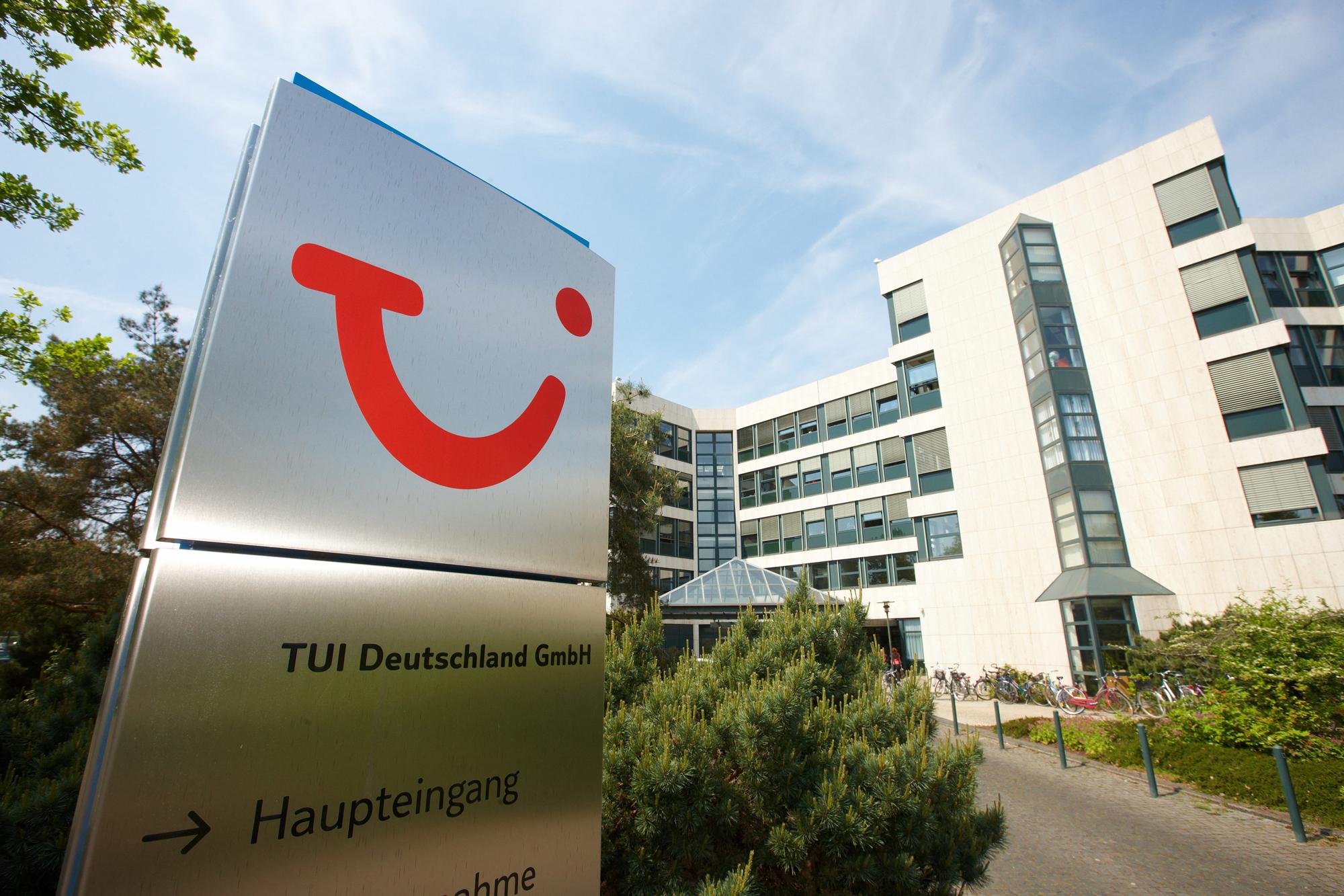 Også den tyske rejsegigant TUI skal spare. Udover 1.600 rejsebureauer i navnlig Europa har TUI-koncernen blandt andet fem flyselskaber med 150 fly og 18 krydstogtskibe. Arkivpressefoto fra TUI.