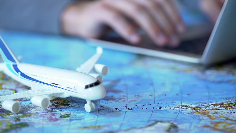 Opsigelser på vej i tre store rejsebureauer. (Motortion | iStock-1027397370)
