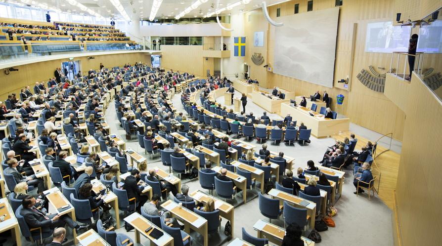 Politikerne i det svenske parlament kan ikke enes om at hjælpe de svenske rejsebureauer, der nu må håbe på akut hjælp fra regeringen. Pressefoto fra Riksdagen.se