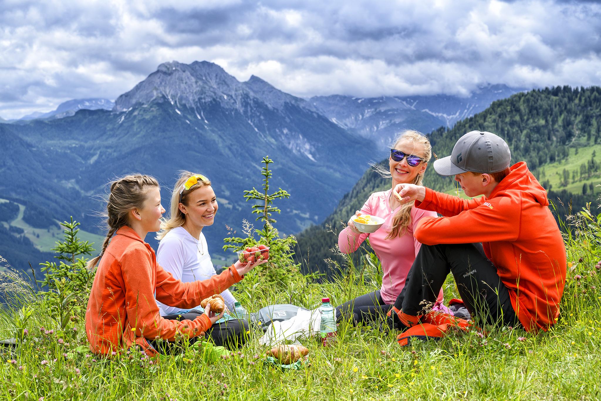 Højmark Rejser, en del af Danmarks næststørste skirejsekoncern, Skigroup, håber denne sommer at sende 200 gæster på kørselv-ferie til Østrig, på et normalt år er tallet omkring 1.000. Pressefoto Højmark Rejser.