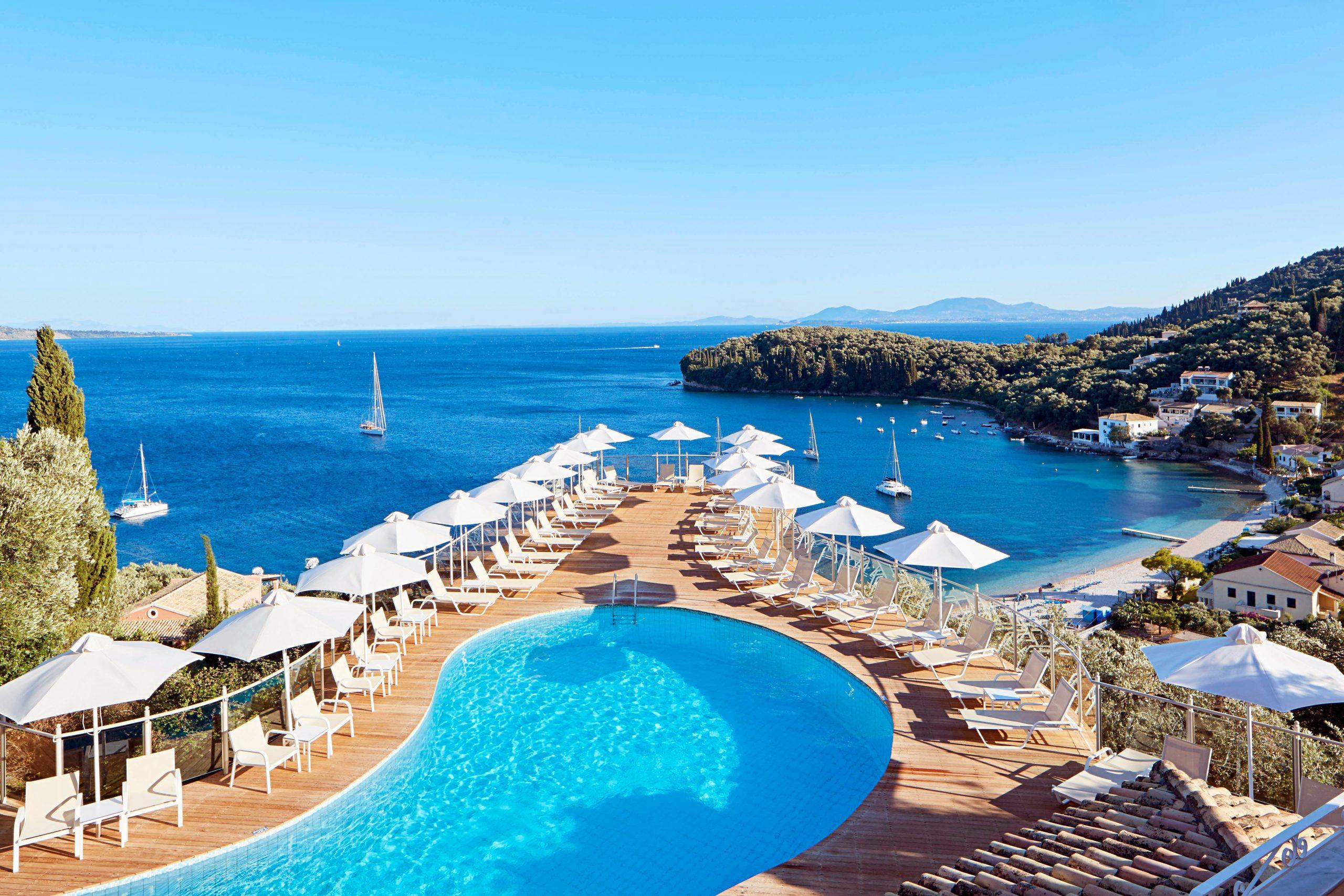 Nu kan der snart være danske turister på vej til Sydeuropa. For eksempel til San Antonio Corfu Resort, arkivpressefoto fra Spies.