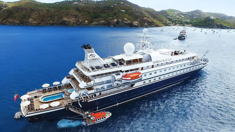 Seadream Yacht Club sejler frem til september en række krydstogter langs den norske kyst med to af sine luksuriøse skibe med 56 dobbeltkahytter. Arkivpressefoto: Seadream Yacht Club.