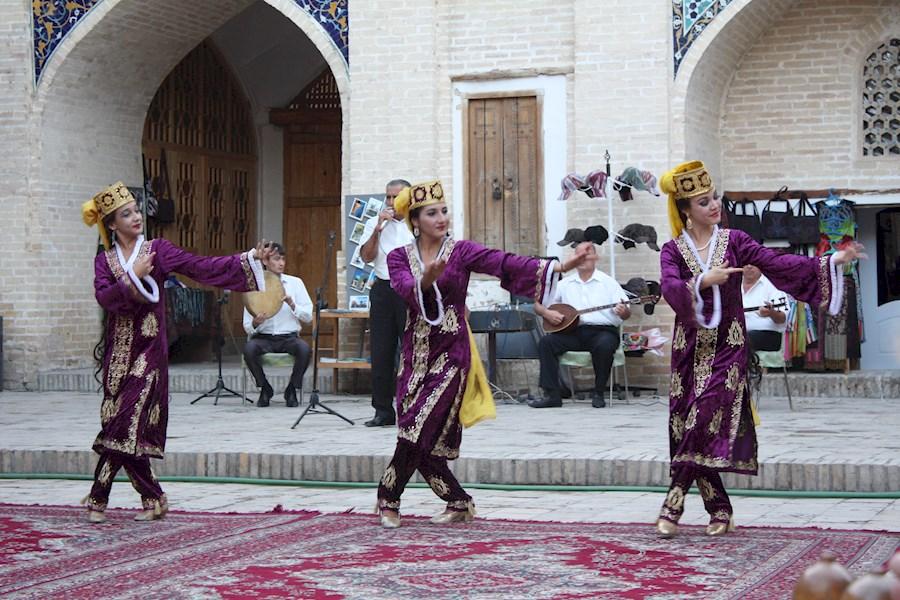 Usbekistan i Centralasien er så sikker på at være nærmest fri for coronavirussen, at landet angiveligt har et tilbud til turisterne: 3.000 dollars hvis I bliver smittet under jeres ophold. Arkivfoto fra Usbekistan via Viktors Farmor, Lone Andersen.