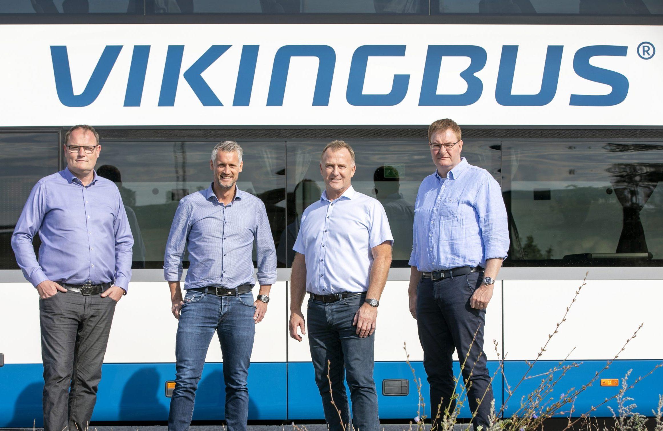 De fire ejere af busselskaberne bag Vikingbus er fra venstre Lars Larsen (Larsenbus), Carsten Papuga (Papuga), Mogens Pedersen (Egon's) og Peter Papuga (Papuga Bus). Foto: Vikingbus, Bjarke Ørsted.