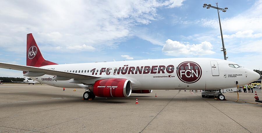 FC Nürnberg har fået specialmalet en Boeing 737-800 fra Corendon Airlines. Foto: Nürnberg Lufthavn