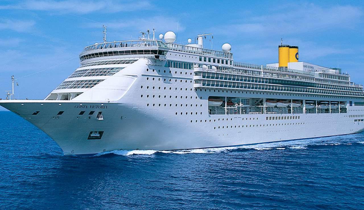 Det 23 år gamle skib Costa Victoria fra Costa Cruises, en del af amerikanske Carnival Corp., har sejlet sin sidste tur og skal nu ophugges. Arkivpressefoto: Costa Cruises.