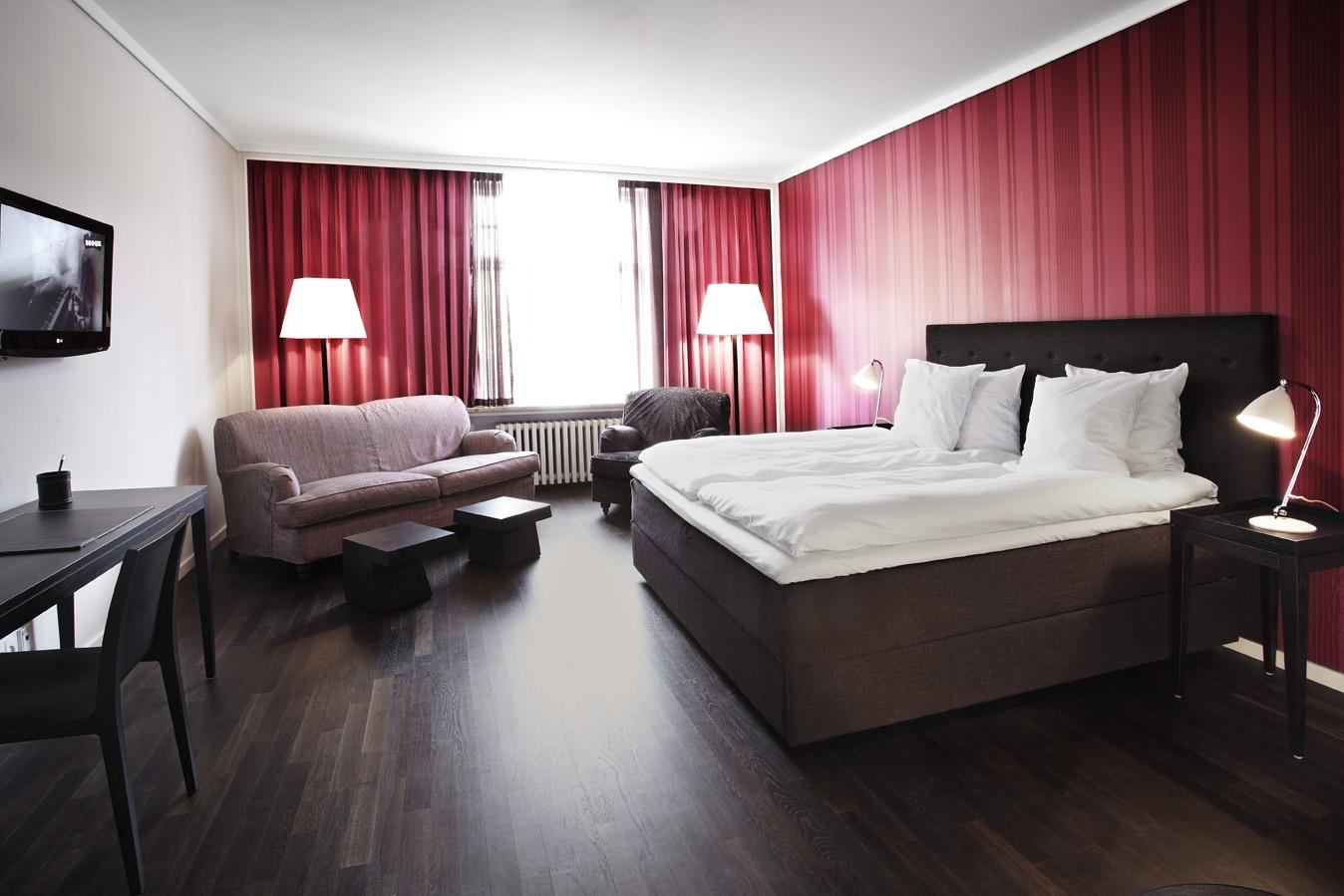 De danske hoteller er fortsat massivt udfordret af strenge restriktioner som forsamlingsforbud samt afstands- og kvadratmeterkrav, mens hjælpepakkerne er udfaset. Arkivfoto.