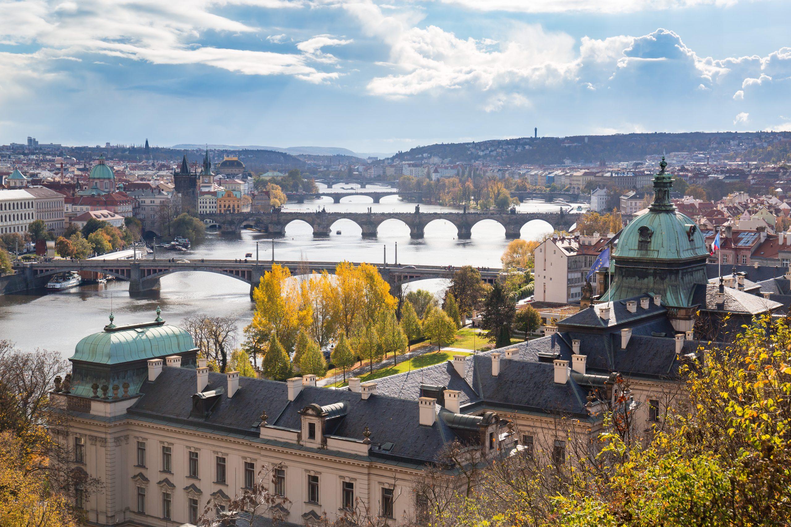 Tjekkiet med hovedstaden Prag bliver nu orange i de danske rejsevejledninger. Dermed frarådes alle ikke-nødvendige rejser. Foto fra Wikipedia: Dmitry A. Mottl.