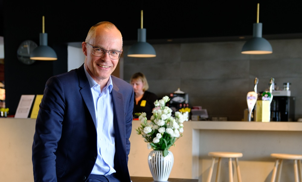 Peter Haaber, grundlægger og administrerende direktør for i dag tyskejede Zleep Hotels. Kæden havde et regnskabsmæssigt grimt 2019, men har trods coronakrisen tro på fremtiden og flere nye hoteller på vej i og udenfor Danmark. Arkivpressefoto: Zleep Hotels.