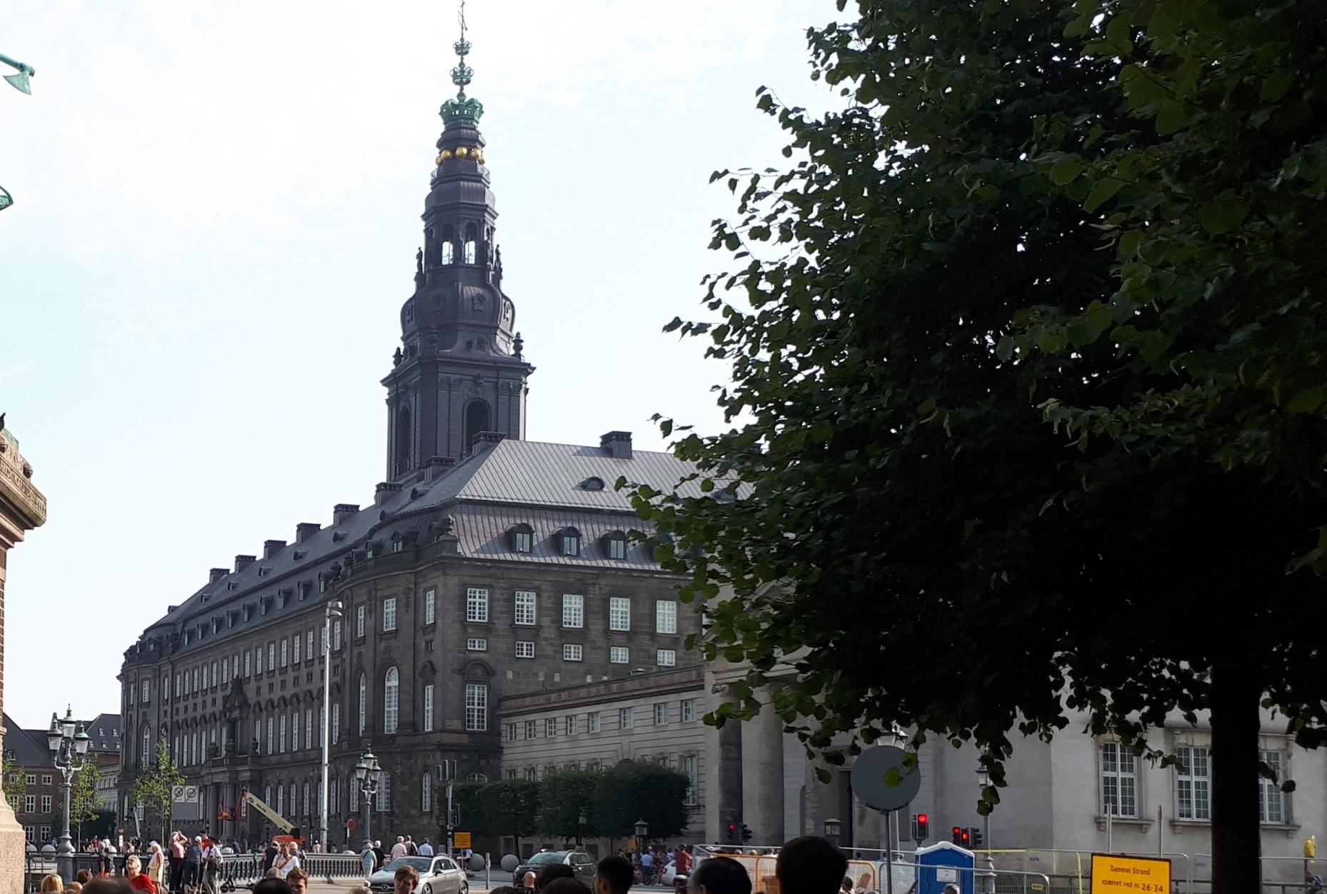 I dag starter det nye folketingsår. Og HORESTA har mange ønsker til politikerne på Christiansborg. Arkivfoto: Henrik Baumgarten.