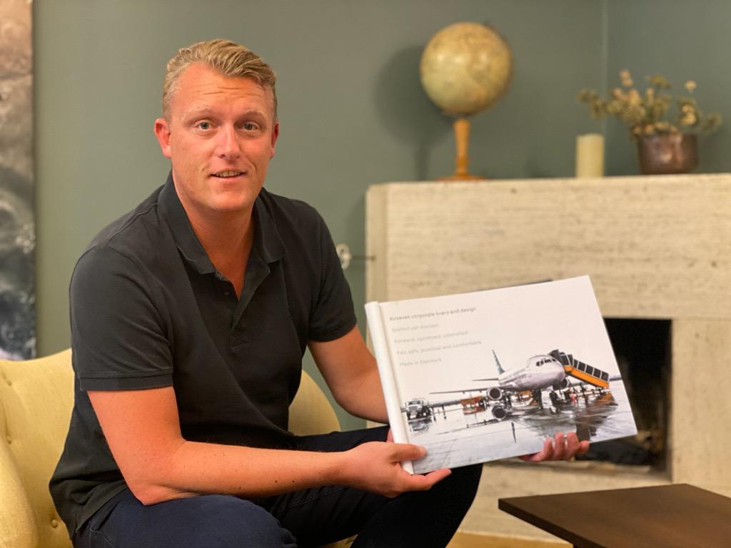 Primo Tours-gruppens ejer, Bjarke Hansen, er også hovedaktionær i Danmarks nye flyselskab, Airseven. Foto venligst udlånt af TV MIDTVEST, foto: Karl Erik Lørup.