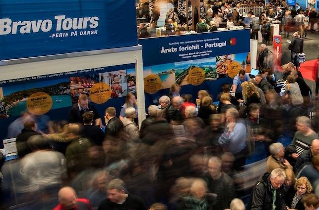 Bravo Tours-koncernen, der sidste år leverede det formentlig største underskud nogensinde i den danske rejsebranche, havde i 2019 cirka hver sjette danske charterpassager. Koncernen forventes solgt inden årets udgang. Arkivpressefoto fra Ferie for Alle-messen i 2017: Messecenter Herning.