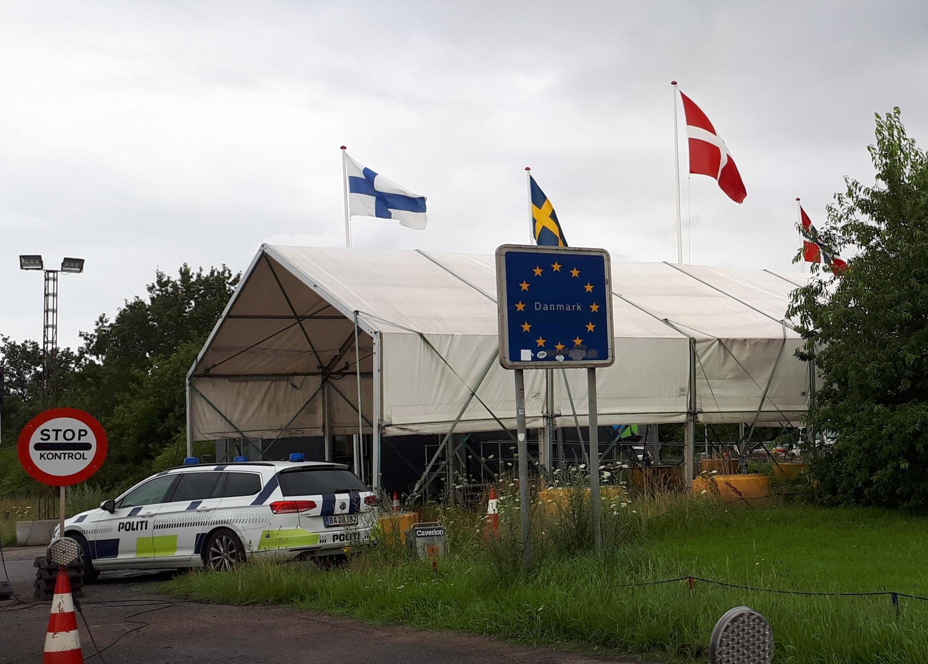 EU-landenes udenrigsministre kan i dag godkende nye fælles rejseretningslinjer for rejsevejledninger, men i sidste ende bestemmer det enkelte medlemsland indholdet af sine egne rejsevejledninger. Arkivfoto fra den dansk-tyske grænse: Henrik Baumgarten.