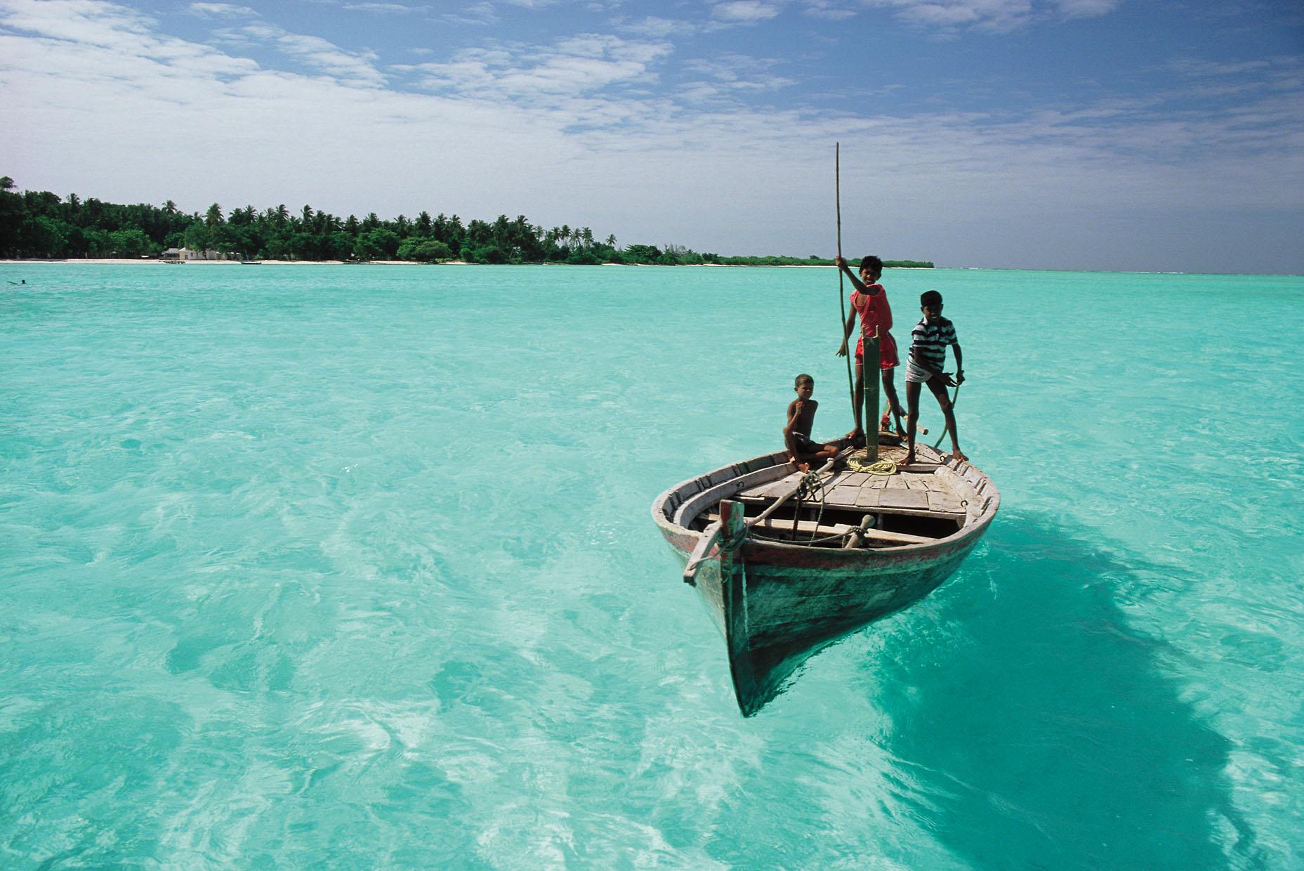 Maldiverne består af 26 atoller med over 1.000 større og mindre øer fordelt udover 90.000 kvadratkilometer. Nu er landet som formentlig verdens første på vej med et nationalt bonusprogram til turister. Arkivpressefoto fra Maldiverne.