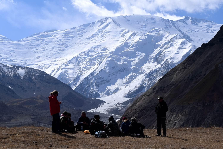 De to danske rejsebureauer Panorama Travel og Bifrost Rejser fusionerer. Panorama har blandt andet fokus på rejser til utraditionelle rejsemål, men har også rejser indenfor Europa. Her er en gruppe Panorama-gæster i Centralasien. Foto: Panorama Travel.