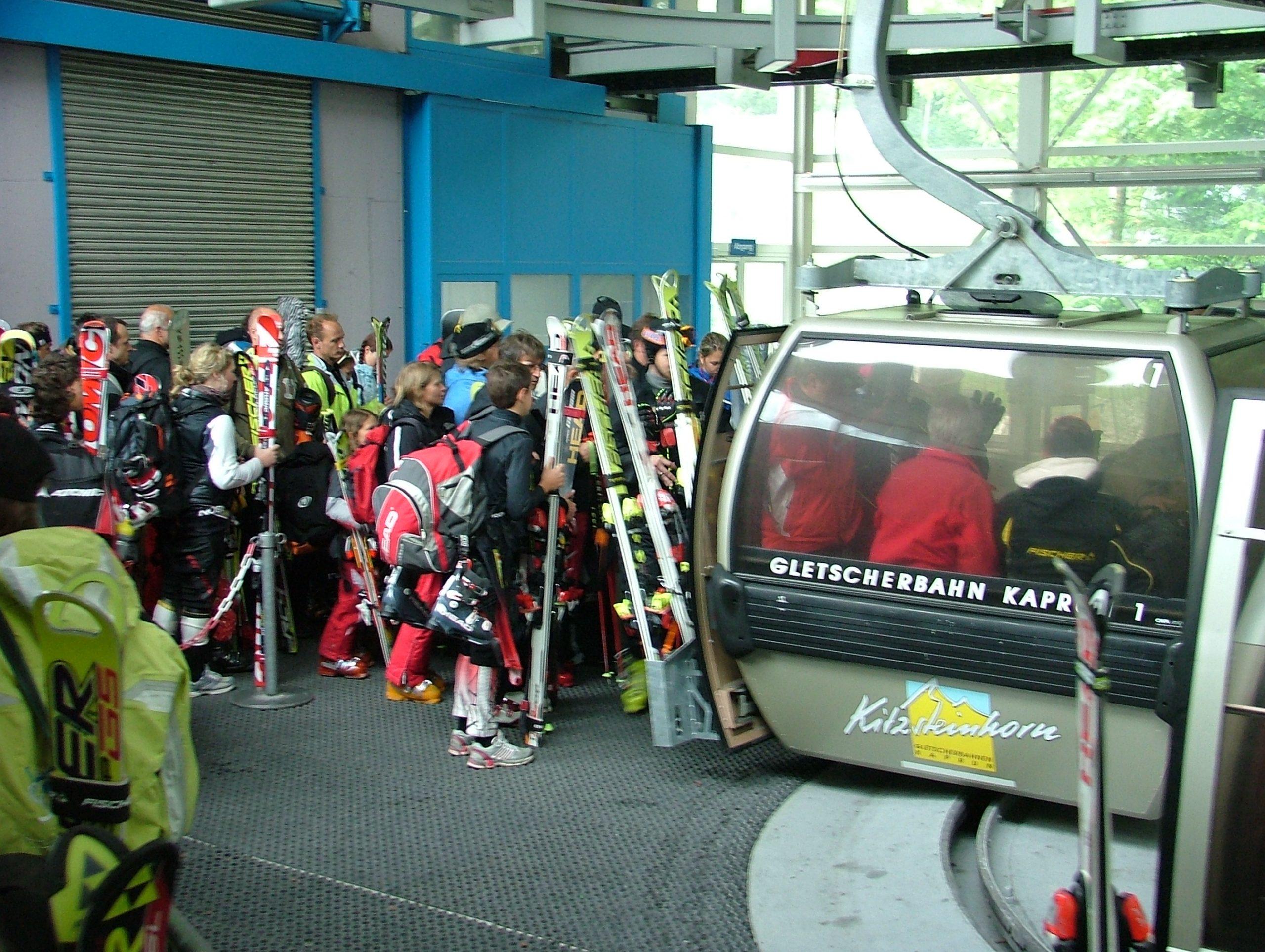 Piste Group/Skitnetworks, der fredag gik konkurs, havde i sidste regnskabsår 85.000 skandinaviske skiturister i alperne. Konkursen skønnes at blive den næststørste i Rejsegarantifondens historie. Arkivfoto fra Østrig: Henrik Baumgarten.
