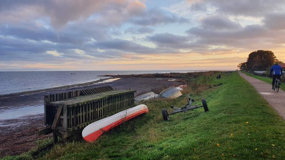 """Danskerne er med rette glade for at holde ferie på hjemmebanen. Her er det en af Danmarks nyeste turistattraktioner, """"Amarminoen,"""" en 24 kilometer lang vandrerute gennem Naturpark Amager. Foto: FF Naturfoto."""