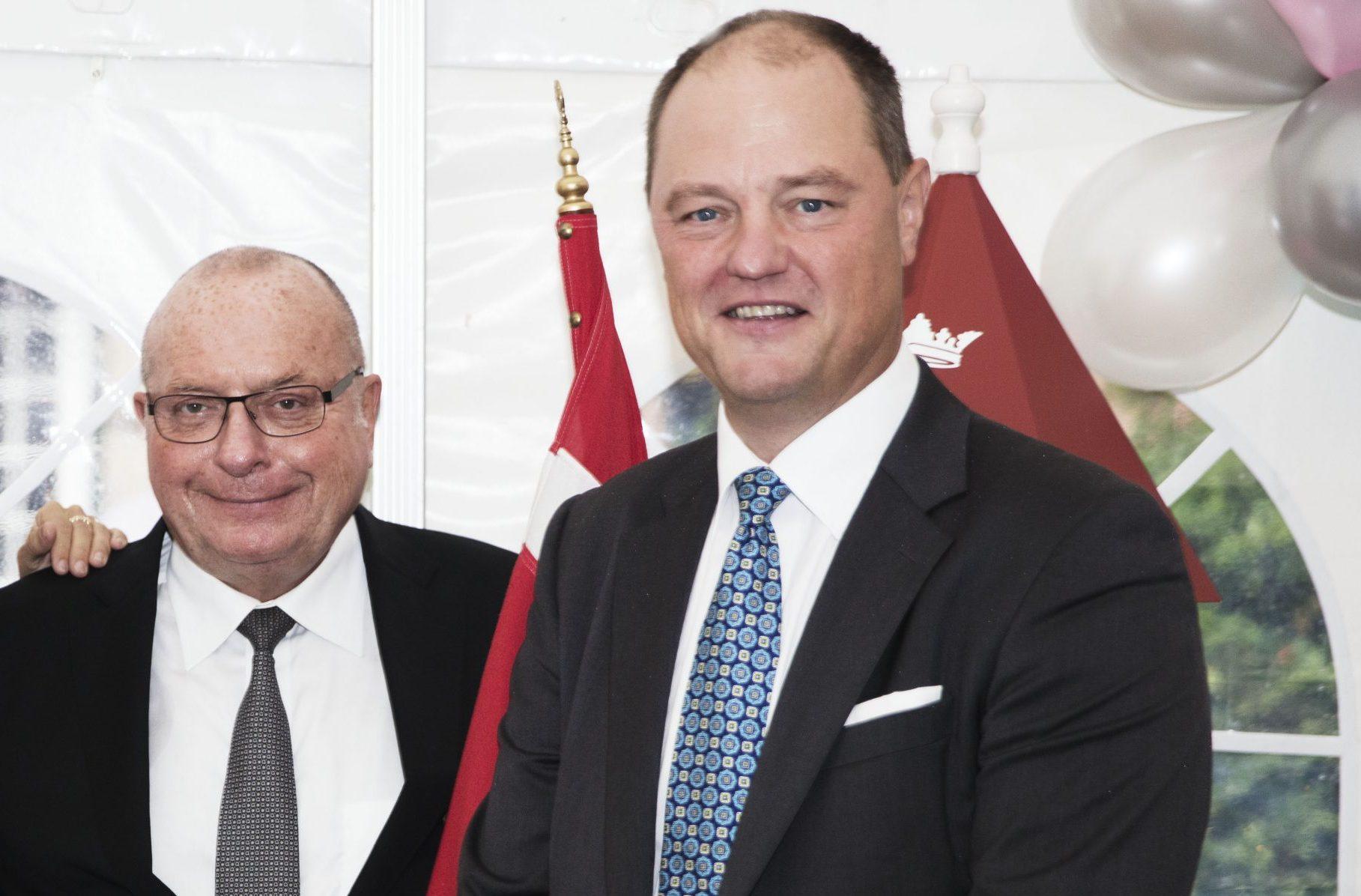 Allan Agerholm, til højre, forlader bestyrelsen i hotel- og brancheforeningen HORESTA, hvor han var næstformand. Her er han med Jens Zimmer Christensen, der er formand for bestyrelsen i HORESTA. Arkivfoto.