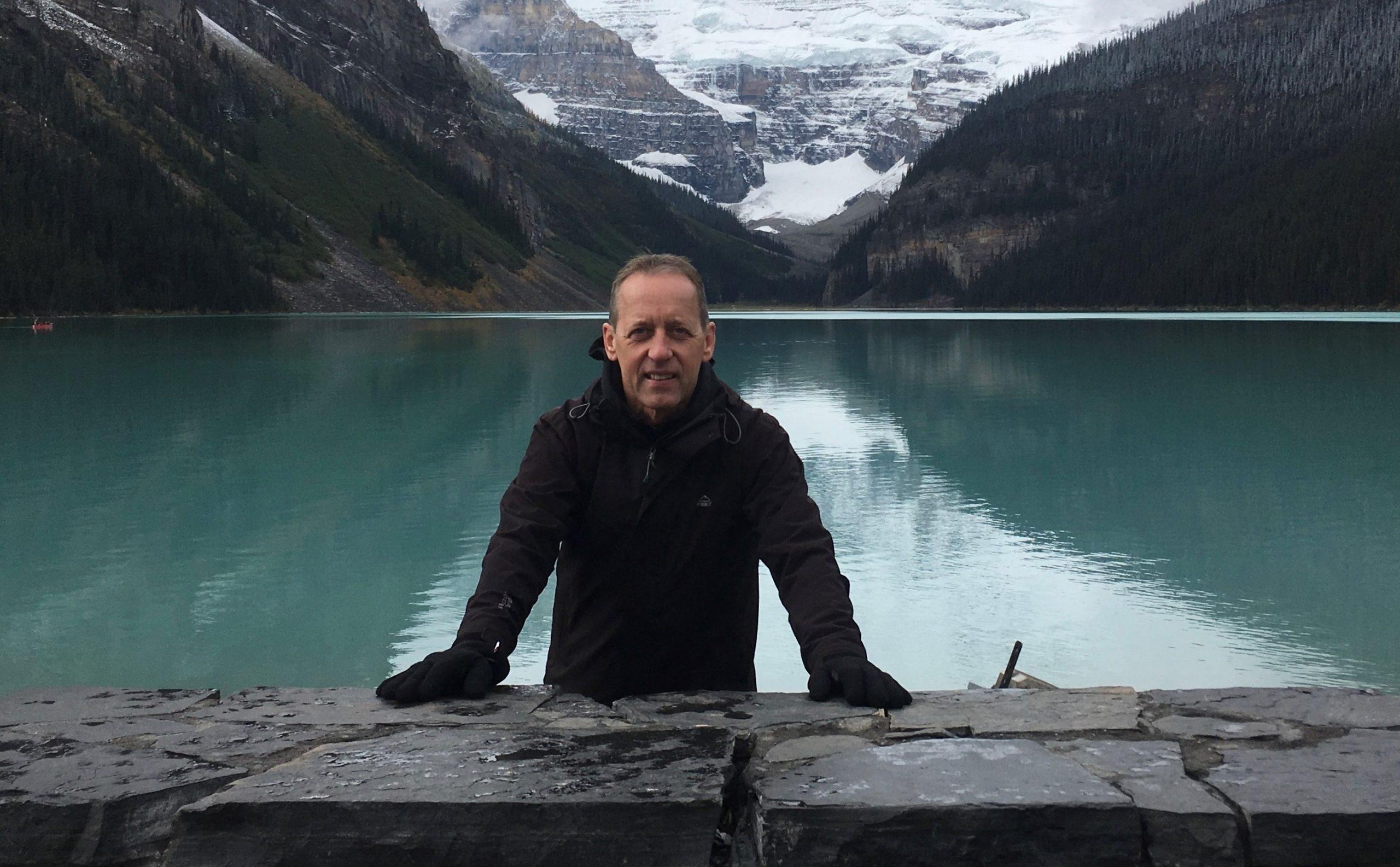 Jan Fischer Pedersen – her ved Lake Louise i Canada. (Privatfoto)