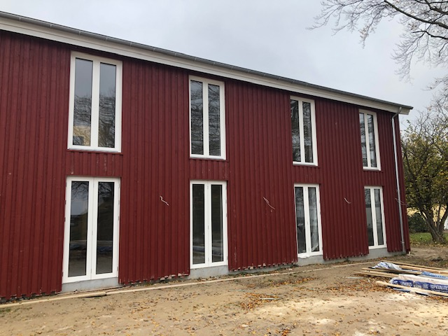 Den 1. februar tages et særligt, nyt dansk hotel i brug. Klintholm Havn Hotel på Møn har kun én kunde: de 25 vagthavende på en af Tysklands største havvindmølleparker. Pressefoto: Bygma Gruppen.