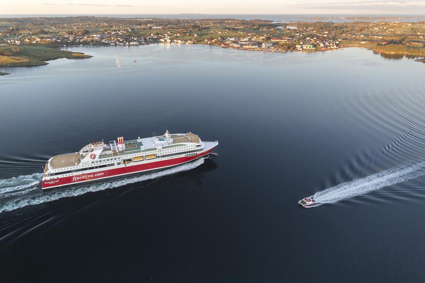 Norske Fjord Line sejler i øjeblikket kun på én af sine tre ruter mellem Norge og Hirtshals, det sker på forbindelsen fra Kristiansand til Hirtshals med MS Bergensfjord. Skibet har plads til 1.500 passagerer, de kan overnatte i de 370 kahytter fordelt på 20 forskellige kategorier. Pressefoto: Fjord Line.