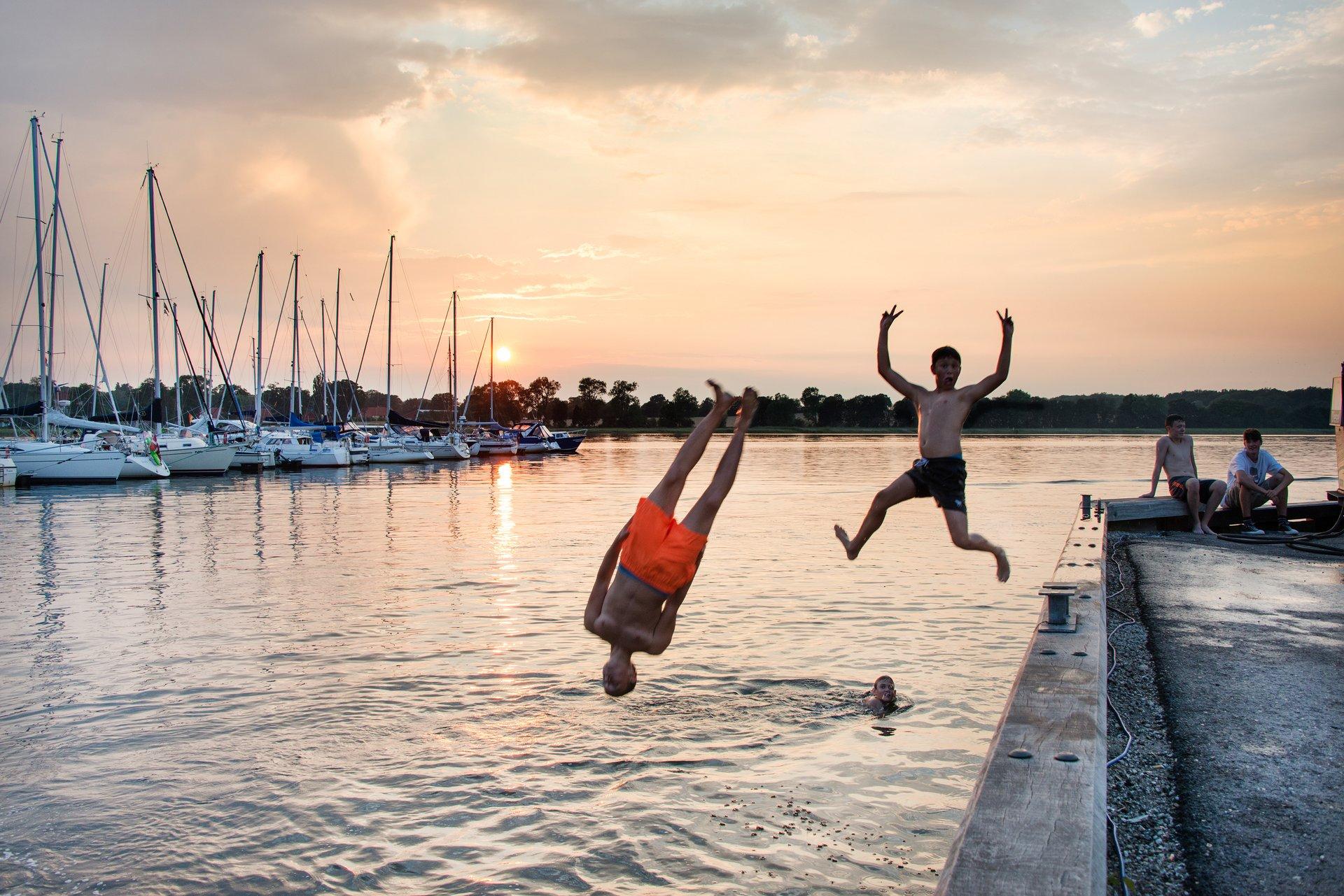 Danskerne ferieplaner bliver også i år påvirket af coronakrisen. Så længe grænserne er lukket, må der holdes ferie på hjemlige breddegrader. Arkivpressefoto fra Præstø Havn, VisitDenmark: Thomas Rousing.