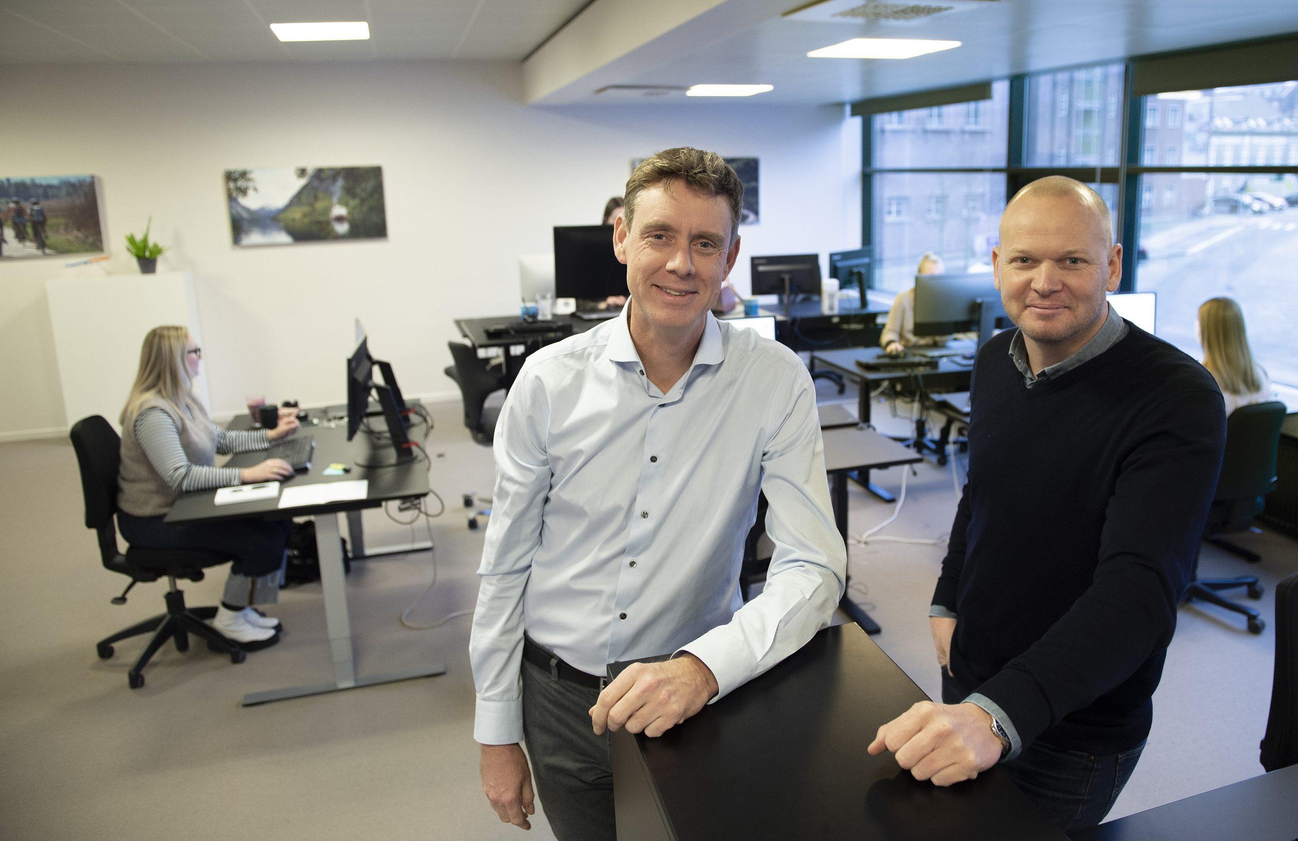 Martin Bisp, til venstre, fortsætter som hovedejer og administrerende direktør af Top Tours, som Mads Bygballe og hans Sunway Group nu har købt 49 procent af. PR-foto: Michael Bygballe.